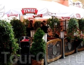 Утверждаю: ZYVIEC – наилучшее польское пиво. Причастился им и в Кракове вот в этой уютной кафешке *DRINK*