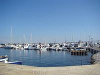 Вид на стоянку парусных судов яхт-клуба Умага.
