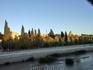 Вечером мы собирались в кино, но с кино не сложилось, пошли опять гулять. В этот раз по Madrid Río. Здесь красивые закаты и можно видеть как последние ...