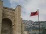 Албанский флаг у музея Скандерберга.