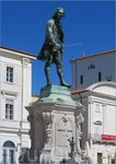 Памятник Джузеппе Тартини (площадь его имени) - знаменитому итальянскому скрипачу и композитору, уроженцу г. Пирана.