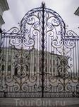 Кремль. Ворота перед Президентским дворцом.