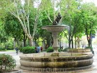 Итак, прогулявшись по Саламанке мы пошли смотреть Королевский Ботанический сад (Real Jardín Botánico). Нам еще и повезло, вход был в этот день бесплатный, обычная цена билета около 4 евро.