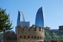 """Комплекс """"Пламя"""". Языки этого пламени видны почти со всех уголков центральной части Баку."""