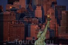 Статуя Свободы на острове Свободы, Манхэттен, Нью-Йорк