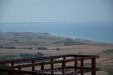 Пафос – Курион Вы познакомитесь с историей и легендами одно¬го из красивейших городов Кипра. Направляясь в Пафос, вы сделаете вашу первую остановку в расположившемся на холме древнем городе-государст