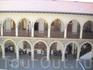 Вид на музей из внутреннего дворика монастыря Киккос