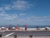 Пляж Копакобана и Атлантический океан