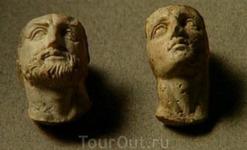 Маленькие статуэтки с бюстом Александра Македонского и его отца Филиппа IV
