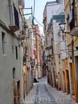 Улочки старой части города - узкие, тихие, хранящие прохладу даже в жаркие дни.