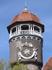 Светлогорск (Раушен). Солнечные часы на башне санатория крупным планом, их установили в 1970-е годы.