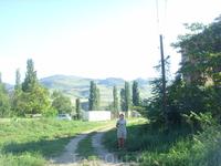 Тем, кого привлекают урбанистические, индустриальные и прочие руины, на Сарыкуме будет, на что полюбоваться - две полуразрушенные ж.д. станции, одна из которых - самая первая станция Дагестана, постро