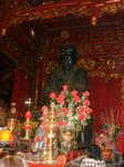 Статуя Чан Ву- повелителя севера, которому посвещен храм