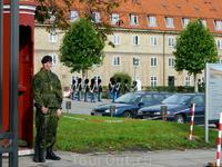 Копенгаген. Охрана перед входом во дворец.