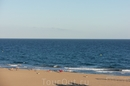 Всю вторую неделю на море прилично штормило, на пляже два дня даже вывешивали жёлтый флаг.