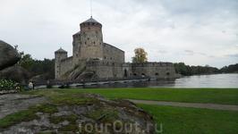 Первоначально крепость была названа шведами Нюслотг (Новый Замок) (позднее Нейшлот, затем Олафсборг – Замок святого Олафа (назван в честь католического святого 11 века, особо почитаемого в Норвегии)