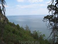 Вид с горы на Байкал. До вершины не полезла, спускаться тяжело