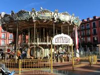 Идея каруселей, пришедшая к нам, явно скопирована из Испании. Кстати, в Испании карусельки смешно называются Tío Vivo. Есть красивая легенда о происхождении ...