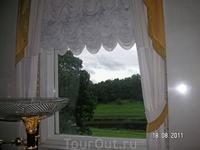 Во дворце. Вид из окна