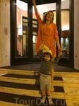 На входе в отель Grand Hotel CastroCarо Terme & Spa