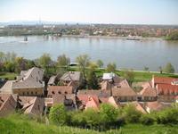 А на том берегу словацкий город стоит...
