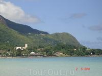 Большинство отелей расположены как-раз рядом с пляжем Бо Валлон. поэтому этот район считается туристической зоной