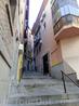 Поднимаемся вверх к главной площади (Plaza de Zocodover) и постепенно погружаемся в мир невероятно узких улочек и крутых лестниц.