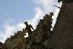 В 1228 г. закончено строительство Чуда. До конца XIII века в архитектуре монастыря не происходило особенных изменений. Аббаты сменяли один другого и потихоньку ...