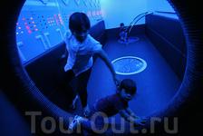 Интересно там не только детям, но и тем, кто просто увлечен космосом. За вход берут 1 рингит.