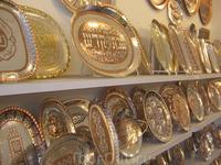На входе в город Акко нас привезли в сувенирный магазин. Не смотря на огромные цены народ стал сметать с прилавков все. Еле успел сфоткать немного сувениров ...