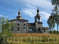 Останки сельской церкви после коллективизации в 30-е годы