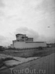 ХОЯТ (не путать с ХАЯТТ)) хранилище отработанного ядерного топлива. в чем прелесть данного строения?! все дело в том, что его строили уже после аварии ...