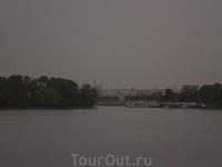 Темнеет. Покидаем Казань под татарские напевы.