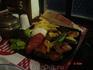 и наш выбор: гриль-микс (курица, баранина, говядина + овощи) Очень вкусно!!! кафе мы выбрали наугад, устав бродить вокруг Суланахмета и Айа-Софии, ни разу ...