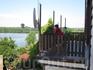 Вид с балкона отеля на озеро Зарас