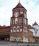 Всего в 100 километрах от Минска и в 30-ти от Несвижа, в Гродненской области Беларуси, находится поселок Мир, первое упоминание о котором датируется 1395 ...