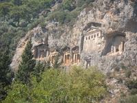 р.Дальян, Ликийские гробницы