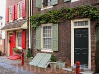 Аллея Элфорта - старейшая улица в США. Эти 30 домов построены в 1728-1836 годах.
