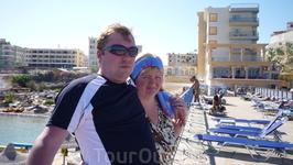 вид с пляжа на 2 отеля Сфинкс и Кинг Тут