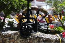 Водяное колесо. не работает(муляж) но выглядит красиво.