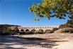 Пон-дю-Гар был сооружен римлянами для бытовых нужд: чтобы перебросить через реку Гар водопровод для снабжения питьевой водой города Нима. Высота моста ...