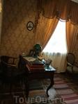 Рабочий стол в кабинете С.В.Рахманинова во флигеле.