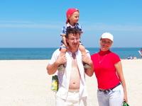 Семейная традиция - поездка в конце апреля либо начале мая на море и открытие купального сезона