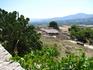 В Фесте намного меньше туристов, хотя вид с дворцового холма (100 м) на равнину Мессара и горы Астерусья стоит десяти видов Кносса!