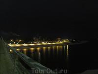 Ночью. Вид Ярославова дворища от стен Детинца