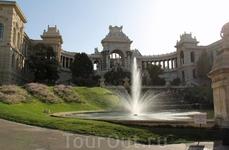 А это марсельский дворец Лоншан (здание водоканала).