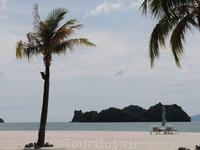 Пальмы и островки.