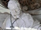 Статуя Франциска (San Francisco de Sales) - огромная статуя, стоящая в левой нише над входом. Автор Alfonso Giraldo Vergaz. Осмотрев фасад, мы спустились ...