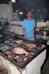 Джимбаран. Ужин в ресторане нам готовили на углях кокосовых орехов...