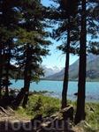 Среднее озеро. На заднем плане ледник.